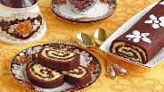 Фото рецепта Шоколадный рулет «Баунти»
