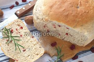 Хлеб с клюквой и орехами