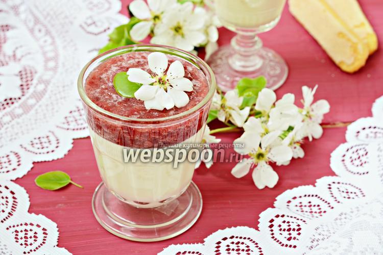 Фото Белый шоколадный крем с клубничным пюре