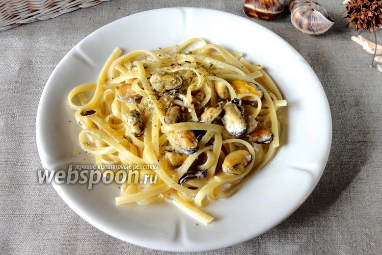 Фото Феттучини с мидиями в сливочно-ореховом соусе