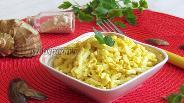 Фото рецепта Салат с кальмарами и яйцами