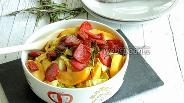 Фото рецепта Яблочно-капустный топф с сухой колбаской