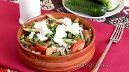 Фото рецепта Греческий салат с перловкой и мятой