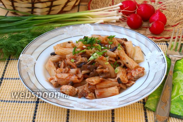 Фото Макароны с курицей и грибами