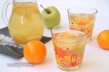 Компот с яблоками и мандаринами