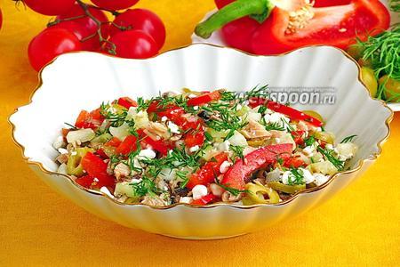 Салат из сельдерея с консервированным тунцом