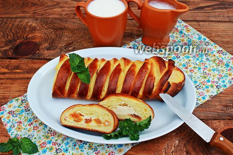 Фото Коса с творогом и абрикосами