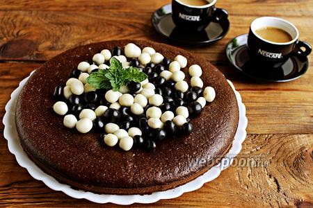 Фото рецепта Шоколадный бисквит на кипятке