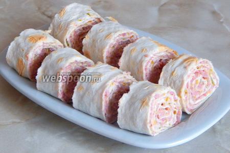 Нарезаем его порционными кусочками и подаём к столу! Вкусно, быстро и просто — ну что еще надо? Приятного аппетита!