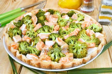 Пирог из форели и брокколи