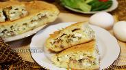 Фото рецепта Заливной пирог на кефире с тунцом и яйцами