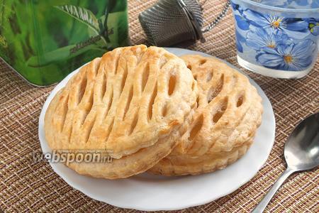 Фото рецепта Слоёные плетёнки с ананасом