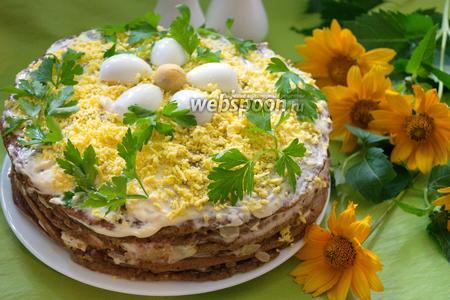 Печёночный торт из куриной печени с грецкими орехами и яйцом