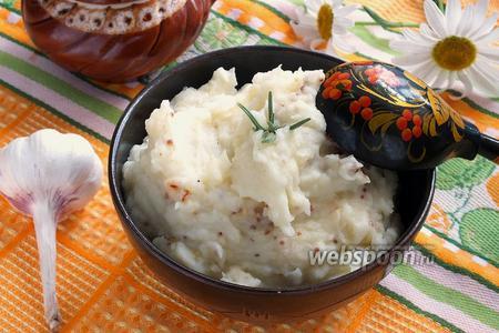 Картофельное пюре с горчицей и жареным луком