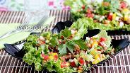 Фото рецепта Стир-фрай из говядины на салатных листьях