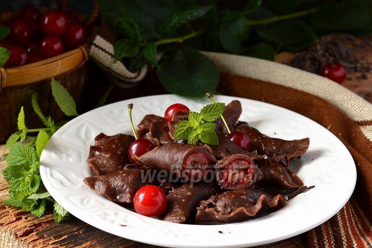 Фото Шоколадные вареники с вишней «Чёрный лес»