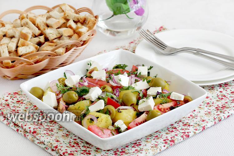 Фото Тёплый картофельный салат с брынзой