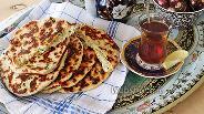 Фото рецепта Хлебная лепёшка с кинзой и сыром