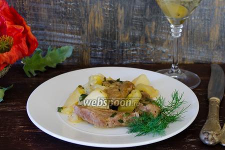 Говядина, тушёная в мартини с овощами