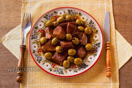 Телятина в белом вине с оливками