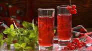 Фото рецепта Настойка на красной смородине
