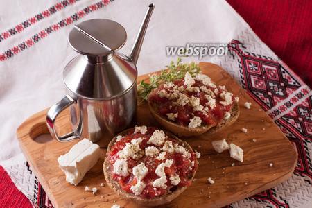Дакос — критский диетический чизбургер