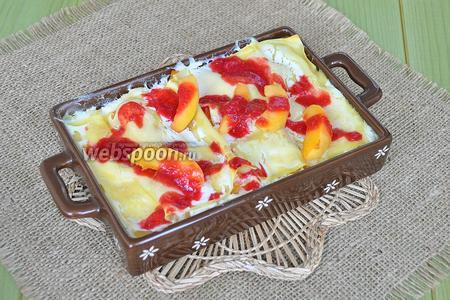 Украсить лазанью резаным абрикосом и малиновым соусом. Это блюдо можно подавать как горячим, так и холодным.
