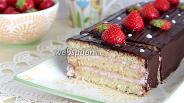 Фото рецепта Творожный торт с клубникой
