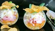 Фото рецепта Салат «Орхидея» с чипсами