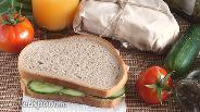 Фото рецепта Сэндвичи с копчёным кальмаром и огурцом