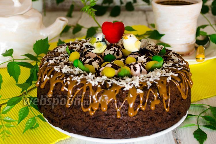 Фото Шоколадный бисквит на перепелиных яйцах в мультиварке