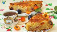 Фото рецепта Кокосовый пирог с абрикосами и сливой