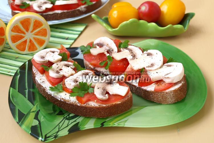 Фото Бутерброды с помидорами и сырыми шампиньонами