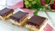 Фото рецепта Пирожное без выпечки «Сникерс»