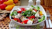 Фото рецепта Салат с баклажанами и козьим сыром