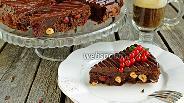Фото рецепта Брауни с вишней, фундуком и шоколадным кремю