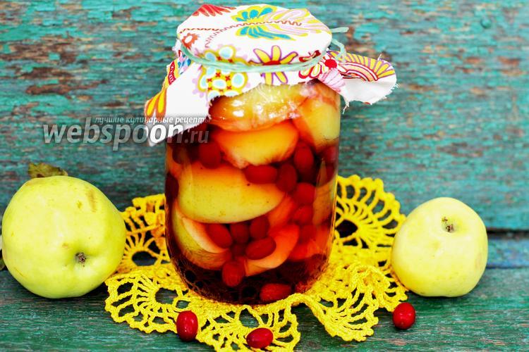 Фото Компот из яблок и кизила