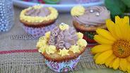 Фото рецепта Мини-капкейки миндальные с шоколадным кремом