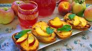 Фото рецепта Ленивые ватрушки с изюмом и персиком