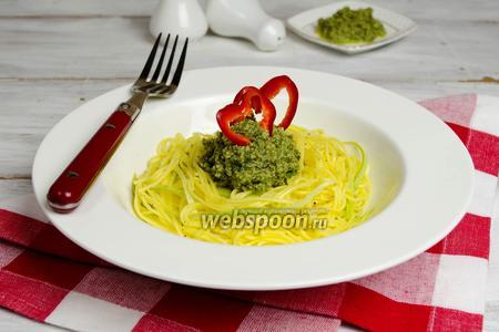 Паста с соусом из шпината
