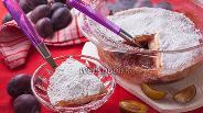 Фото рецепта Пирог из сливы вверх тормашками
