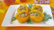 Фото рецепта Лукошки из персика с тунцом