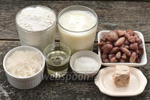 Для  приготовления оладьев нам понадобится молоко, фасоль, соль, сахар, дрожжи, мука, подсолнечное масло.