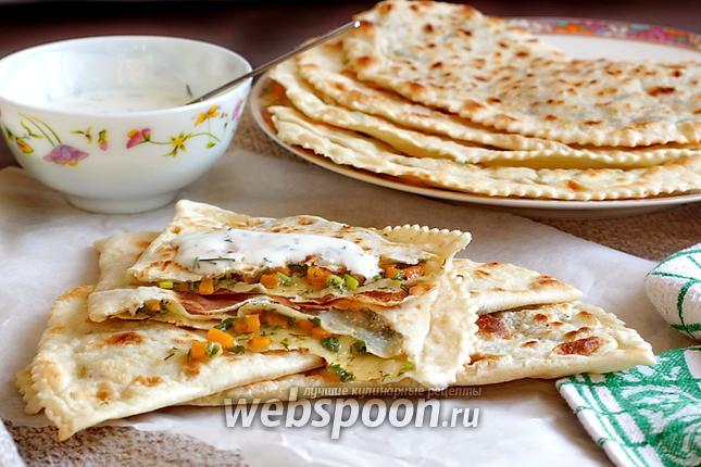 Фото Лепёшки с сыром Фета, тыквой и зеленью