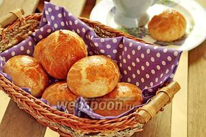 Хлебные булочки с сыром