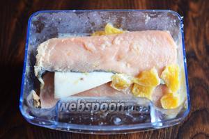 Спустя отведённое время засол произошёл и можно делать вкусные бутерброды или кушать рыбку так.