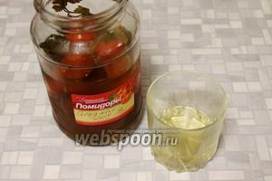Варить до готовности картофеля и фасоли. Для кислоты добавить кисло-сладкий  помидорный рассол .