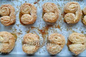 Печенье выпекаем в разогретой духовке, при 200°С, 20-25 минут.