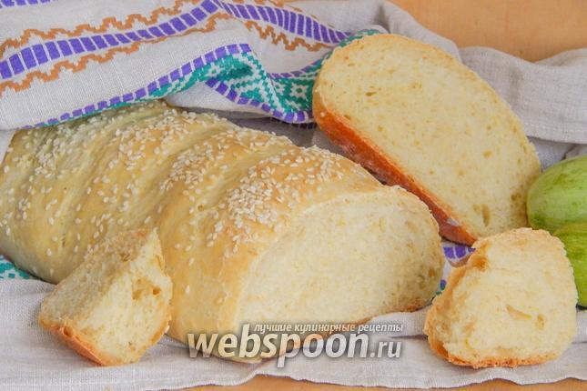 Фото Кабачковый хлеб с чесноком и кунжутом
