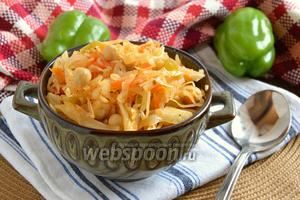 Тушёная капуста с нутом и овощами